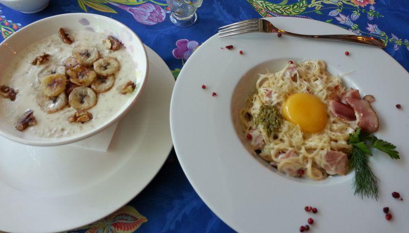 Oatmeal with fried bananas and walnuts, Carbonara
